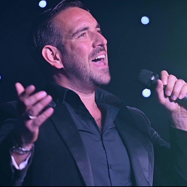 Singer John Norcott available to book via Ntertain Entertainment Agency
